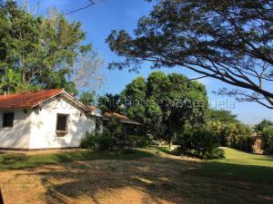 Terreno En Ventaen Municipio Libertador, Safari Carabobo, Venezuela, VE RAH: 20-25060