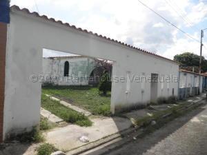 Casa En Ventaen Municipio Los Guayos, Paraparal, Venezuela, VE RAH: 20-25044