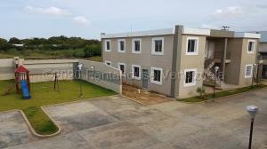 Apartamento En Ventaen Coro, Sector La Floresta, Venezuela, VE RAH: 20-25054