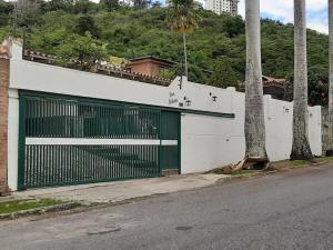 Casa En Ventaen Caracas, Colinas De Los Ruices, Venezuela, VE RAH: 21-2633