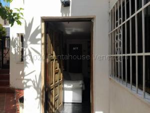 Casa En Ventaen Caracas, Prado De Maria, Venezuela, VE RAH: 20-25109