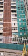 Apartamento En Ventaen Guarenas, Guarenas, Venezuela, VE RAH: 21-855
