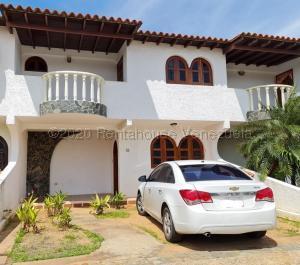Townhouse En Ventaen El Tigre, Pueblo Nuevo Sur, Venezuela, VE RAH: 20-25170