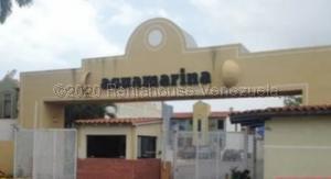 Townhouse En Ventaen Lecheria, Complejo Turistico El Morro, Venezuela, VE RAH: 20-25178