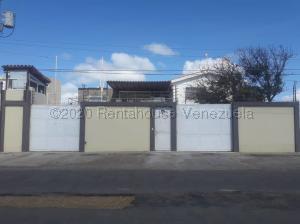 Local Comercial En Ventaen Punto Fijo, Puerta Maraven, Venezuela, VE RAH: 20-25192