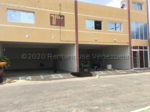 Local Comercial En Alquileren Punto Fijo, Puerta Maraven, Venezuela, VE RAH: 20-25204