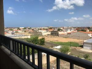 Apartamento En Ventaen Punto Fijo, Santa Fe, Venezuela, VE RAH: 20-25233