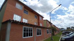 Apartamento En Ventaen Guatire, Alto Grande, Venezuela, VE RAH: 20-25265