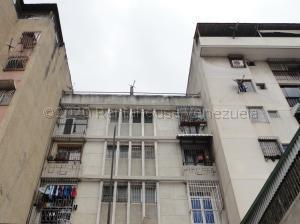 Apartamento En Ventaen Caracas, Parroquia Altagracia, Venezuela, VE RAH: 21-1843