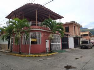 Casa En Ventaen Guatire, Valle Arriba, Venezuela, VE RAH: 20-25356