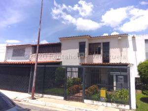 Casa En Ventaen Barquisimeto, Club Hipico Las Trinitarias, Venezuela, VE RAH: 20-25350
