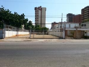 Terreno En Ventaen Maracaibo, Tierra Negra, Venezuela, VE RAH: 21-177