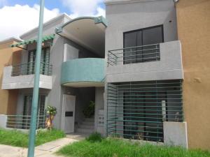 Apartamento En Ventaen Municipio Los Guayos, Paraparal, Venezuela, VE RAH: 21-22