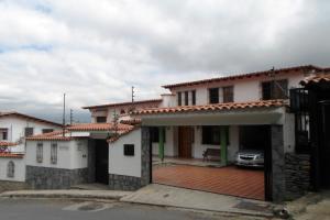Casa En Ventaen Caracas, Colinas De Santa Monica, Venezuela, VE RAH: 21-10