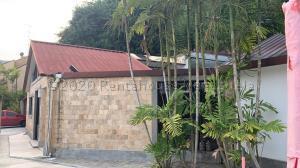 Casa En Ventaen Caracas, El Hatillo, Venezuela, VE RAH: 21-12