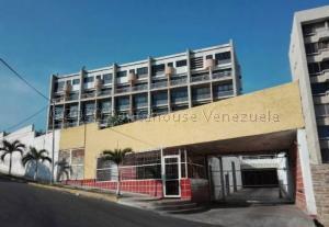 Apartamento En Ventaen Catia La Mar, Playa Grande, Venezuela, VE RAH: 21-27