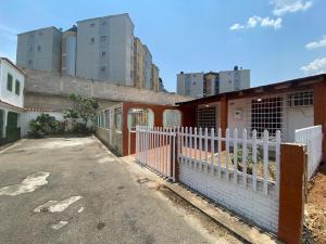 Casa En Ventaen Municipio San Diego, La Esmeralda, Venezuela, VE RAH: 21-35