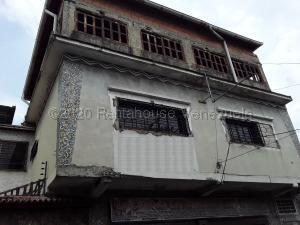 Casa En Ventaen Turmero, Zona Centro, Venezuela, VE RAH: 21-195
