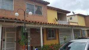 Townhouse En Ventaen Guatire, Villa Avila, Venezuela, VE RAH: 21-73
