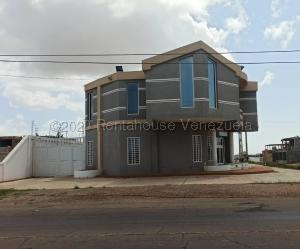 Local Comercial En Ventaen Punto Fijo, Santa Irene, Venezuela, VE RAH: 21-79