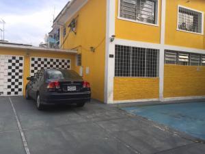Casa En Ventaen Caracas, Colinas De Bello Monte, Venezuela, VE RAH: 21-81