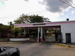 Terreno En Ventaen Charallave, Charallave Country, Venezuela, VE RAH: 21-222