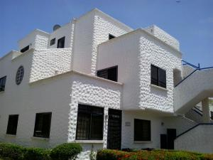 Apartamento En Ventaen Rio Chico, Tacarigua La Laguna, Venezuela, VE RAH: 21-274