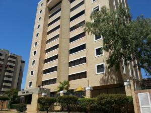 Apartamento En Ventaen Maracaibo, La Lago, Venezuela, VE RAH: 21-331