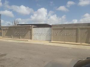 Galpon - Deposito En Ventaen Punto Fijo, Puerta Maraven, Venezuela, VE RAH: 21-344
