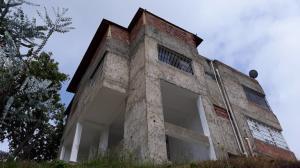 Casa En Ventaen El Junquito-Vargas, El Junko Country Club, Venezuela, VE RAH: 21-348