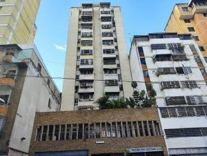 Apartamento En Ventaen Caracas, Parroquia Altagracia, Venezuela, VE RAH: 21-358