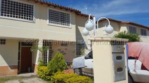 Townhouse En Ventaen Guatire, Villas De Buenaventura, Venezuela, VE RAH: 21-363