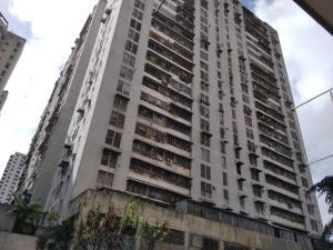 Apartamento En Ventaen Caracas, Parroquia La Candelaria, Venezuela, VE RAH: 21-373