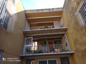 Apartamento En Ventaen Cabudare, La Mora, Venezuela, VE RAH: 21-1787