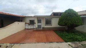 Casa En Ventaen Yaritagua, Municipio Peña, Venezuela, VE RAH: 21-420