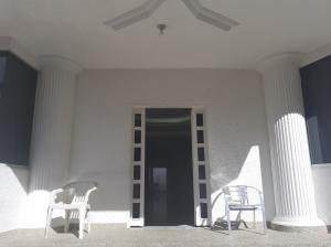 Casa En Ventaen Caracas, Macaracuay, Venezuela, VE RAH: 21-442