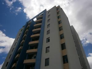 Apartamento En Ventaen Valencia, Valles De Camoruco, Venezuela, VE RAH: 21-439