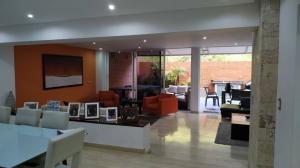 Apartamento En Ventaen Caracas, Solar Del Hatillo, Venezuela, VE RAH: 21-456