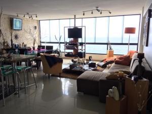 Apartamento En Ventaen La Guaira, Macuto, Venezuela, VE RAH: 21-462