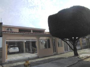 Casa En Ventaen Municipio Naguanagua, Los Guayabitos, Venezuela, VE RAH: 21-619