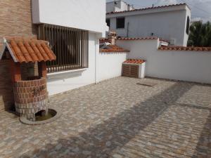 Casa En Ventaen Catia La Mar, La Colina De Catia La Mar, Venezuela, VE RAH: 21-672