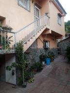 Casa En Ventaen Parroquia Carayaca, Sector Las Salinas, Venezuela, VE RAH: 21-675