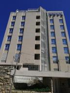 Apartamento En Ventaen La Guaira, Caraballeda, Venezuela, VE RAH: 21-745