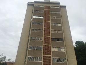 Apartamento En Ventaen Maracaibo, Avenida El Milagro, Venezuela, VE RAH: 21-805