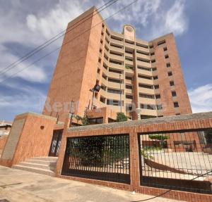 Apartamento En Ventaen Maracaibo, Paraiso, Venezuela, VE RAH: 21-808