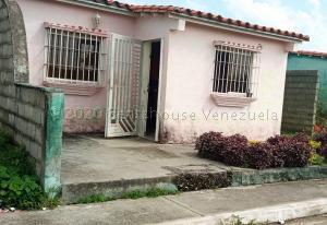 Casa En Ventaen Acarigua, Prados Del Sol, Venezuela, VE RAH: 21-925