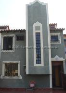 Casa En Ventaen Lecheria, Complejo Turistico El Morro, Venezuela, VE RAH: 21-866