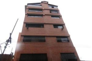 Galpon - Deposito En Ventaen Caracas, Quinta Crespo, Venezuela, VE RAH: 21-898