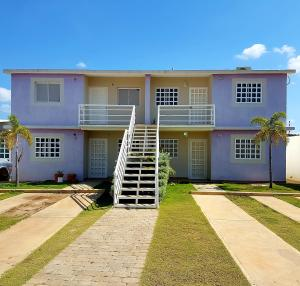 Apartamento En Ventaen Coro, Sector Sur La Paz, Venezuela, VE RAH: 21-911
