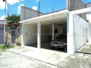 Townhouse En Ventaen Cua, Las Brisas, Venezuela, VE RAH: 21-954
